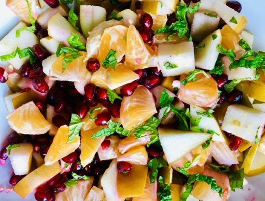 winter-pear-pom-salad